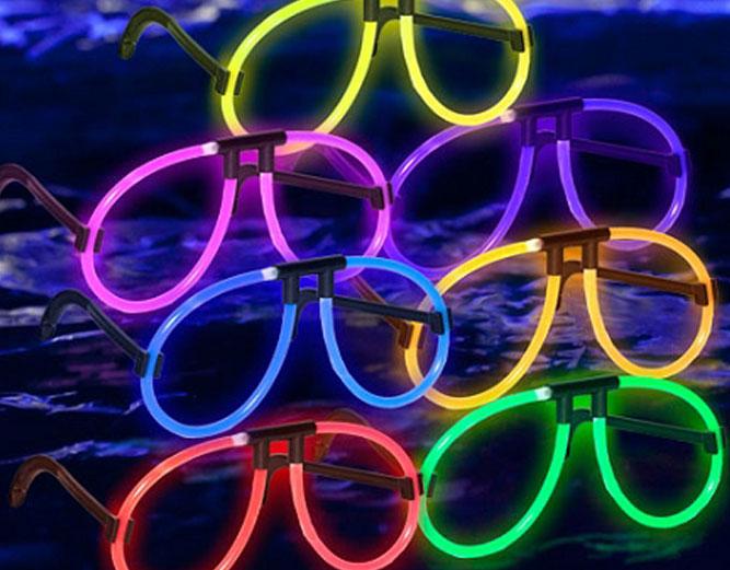 Glow Eyeglass